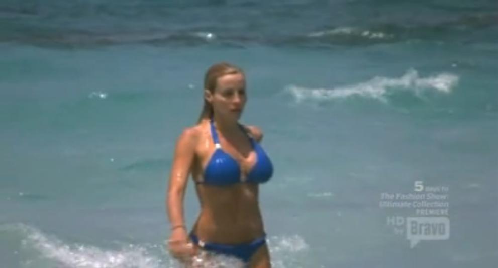 Housewife fun fact ramona and all her friends have this same bikini